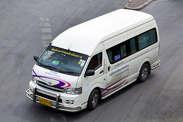 minivan-thailand